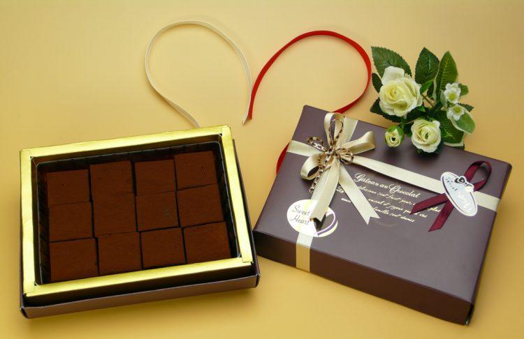 生チョコレート 12個入